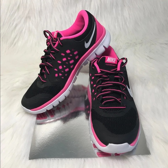 1444f9a5e170 Nike Girl Sport Shoes